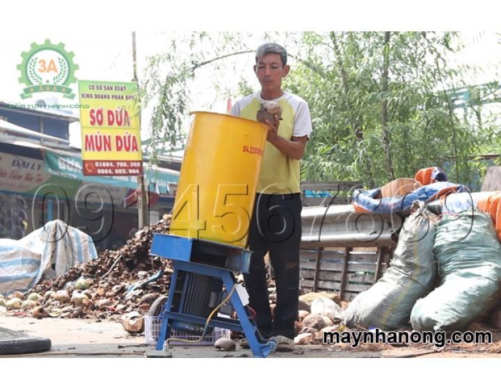 """Nhà khoa học """"bắt tay"""" cùng nhà sáng chế nâng cao giá trị của cây sả Việt"""