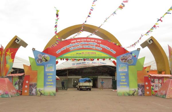 Hội chợ Triển lãm nông nghiệp - Thương mại vùng Bắc Trung Bộ 2016